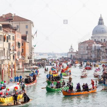 la-regata-per-la-gente-del-posto-all-inizio-del-carnevale-di-venezia-venezia-veneto-italia-con-barche-pieno-di-persone-in-costumi-colorati-sul-canal-grande-787878